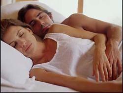 Позы во время сна расскажут о ваших взаимоотношениях с партнером