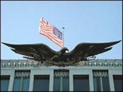 США опасаются за безопасность своих посольств