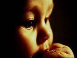 Дети до года способны распознавать эмоции и реагировать на них