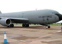 Самолет ВВС США залил Киргизию топливом