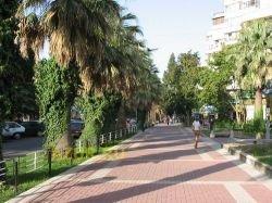 В Сочи установили памятник курортнику-толстосуму
