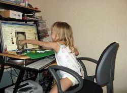 Подростки проводят в интернете все больше времени