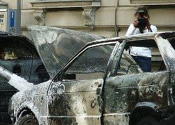 В поджогах машин виноваты журналисты?