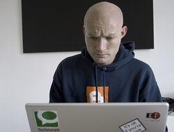 Мужчины чаще, чем женщины, размещают свое творчество в Сети