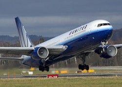 United Airlines уволит 950 пилотов из-за высоких цен на нефть