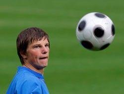 """Тренер \""""Зенита\"""" готов отпустить Аршавина в Европу"""
