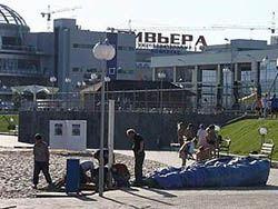В Казани ветром сдуло батут с детьми