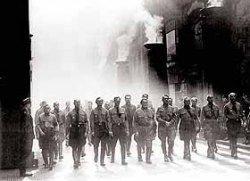 """США оккупировали нацисты и строят там \""""четвертый рейх\""""?"""