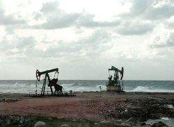 Пошлина на экспорт нефти может превысить 490 долларов за тонну