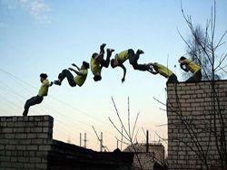 Прыжок через 10 человек