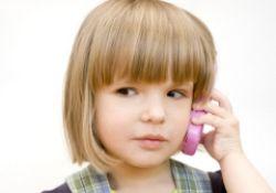 Какой мобильник подарить бабушке, а какой ребенку?