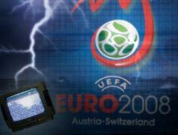 Стихия оставила Европу без футбола