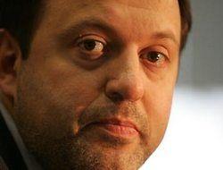 Олег Митволь остается на посту