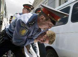 Три офицера петербургской милиции покровительствовали наркодельцам