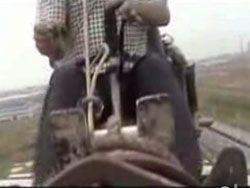 Китайский фермер изобрел летающий трактор