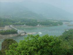 Власти Сычуани закрыли уезд Бэйчуань из-за угрозы эпидемий
