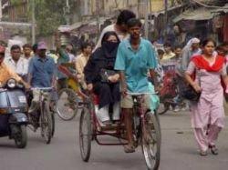 Высокие цены на нефть помогут заработать велорикшам