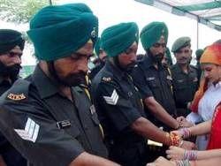 Индийские маоисты потопили лодку с 60 полицейскими