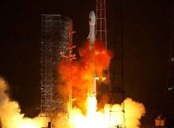 """В Китае идет подготовка к запуску космического корабля \""""Шэньчжоу-7\"""""""