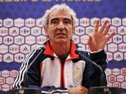 Тренер сборной Франции не будет уволен после провала на Евро-2008