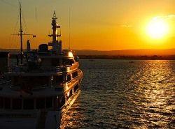 Олигархи меряются яхтами