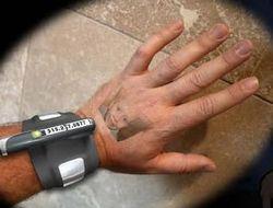 Концепт телефона от LG: изображение проецируется на руку