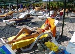 Прелести летнего секса: отпуск, природа, пляж, бикини