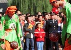 Футбол придумали китайцы