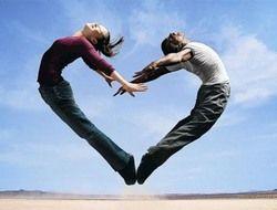 Счастливых людей тянет друг к другу