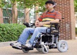 Создана инвалидная коляска, которая управляется движениями языка