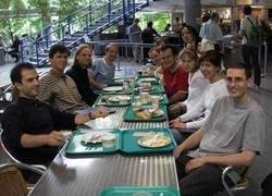 На стипендию московский студент может пообедать в столовой пять раз