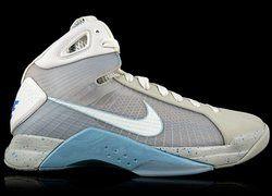 Nike обманула подростков, ожидавших 2015 года