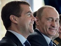 Путин и Медведев начали формировать двухпартийную систему