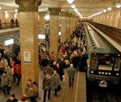В метро Москвы распылили ядовитый газ