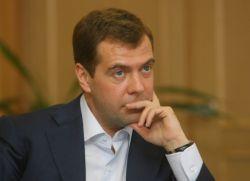 """Медведев дал интервью СМИ стран \""""Большой восьмерки\"""""""