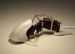 Робот-бармен в действии