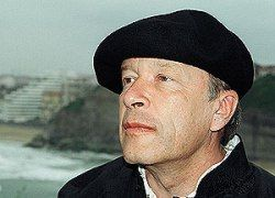 Виктор Ерофеев вступился за уволенного брата