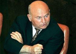 Лужков предложил Минобороны не распродавать ненужное имущество