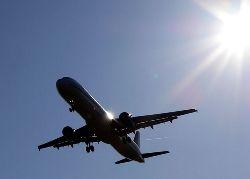 В Колумбии американский самолет упал на жилой дом