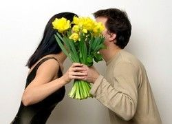 Почему мужчины не дарят женщинам  цветы?