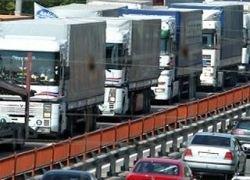 При въезде в Киев скопились тысячи грузовиков