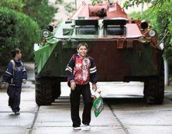 Грузинские военные спешно эвакуируют детей из Южной Осетии