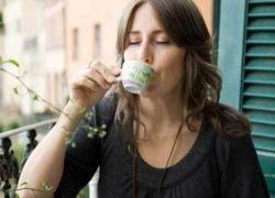 4 чашки кофе или чая в день грозят женщине бесплодием