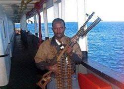 Сомалийские пираты освободили сухогруз с россиянином и украинцами