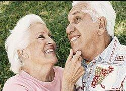 Источник. секс. Мужчины и женщины, которым за 70, занимаются любовью