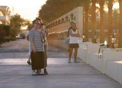 В отпуске туристы продолжают работать