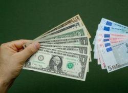 Финансовый кризис наступает — пора избавляться от наличности?