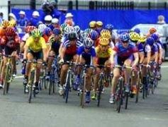 """На велогонке \""""Тур де Франс\"""" первый допинговый прокол"""