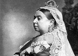 В Британии на аукцион выставлено нижнее белье королевы Виктории
