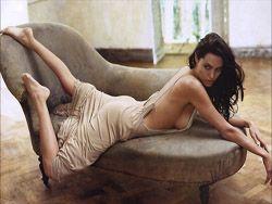 Анджелина Джоли: фото разных лет